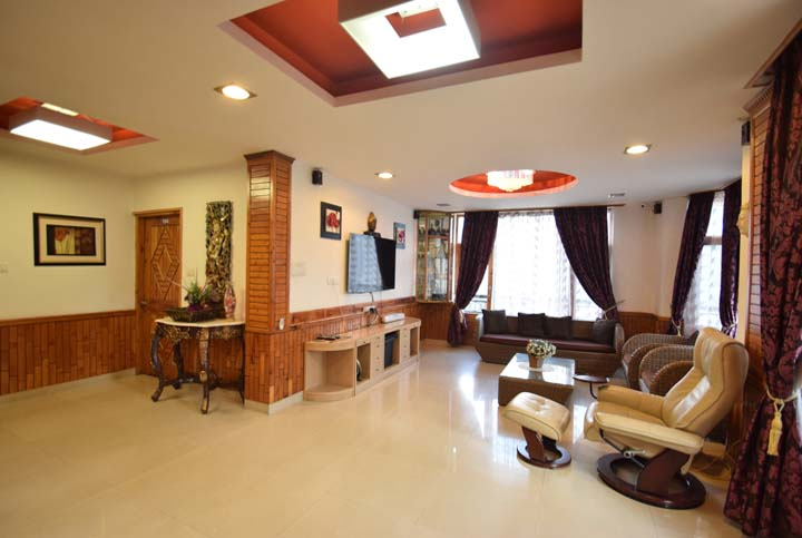Large Holiday Cottage for Big Family Group in Manali