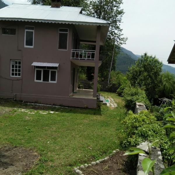 Luxury Cottage No.2 - Four Bedroom Country Side Cottage in Manali